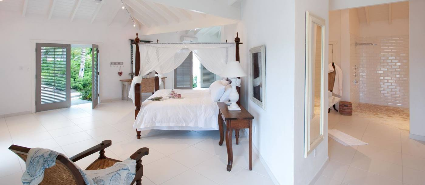 Double bedroom of Palm Point, Antigua