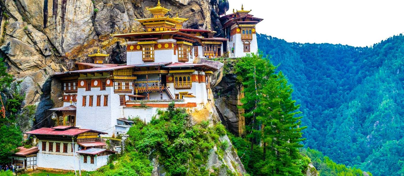 Bhutan Holidays | Bhutan West to East | Red Savannah
