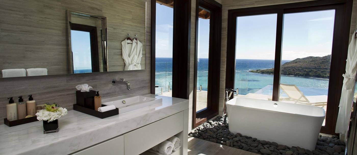 Bathroom and tub of Water's Edge Villa, British Virgin Islands