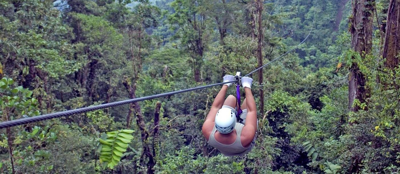 zip lining with costarican trails