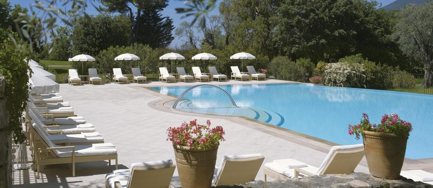 Pool and loungers at Chateau Saint-Martin and Spa in France
