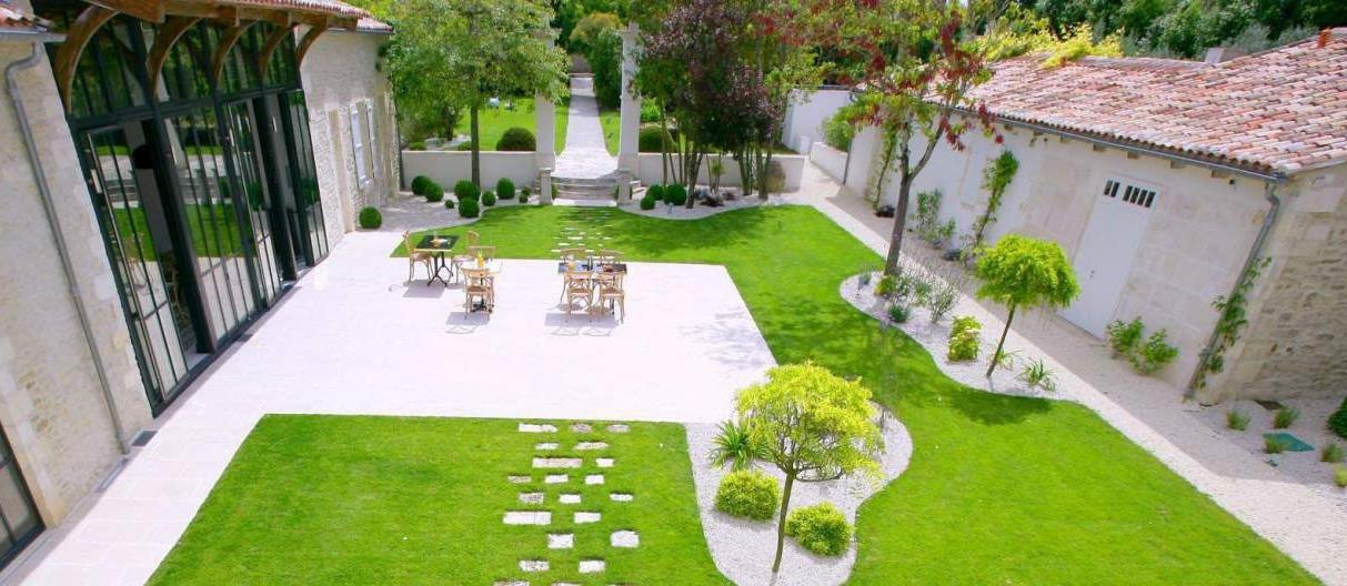 Courtyard garden at Le Clos Saint-Martin and Spa in France