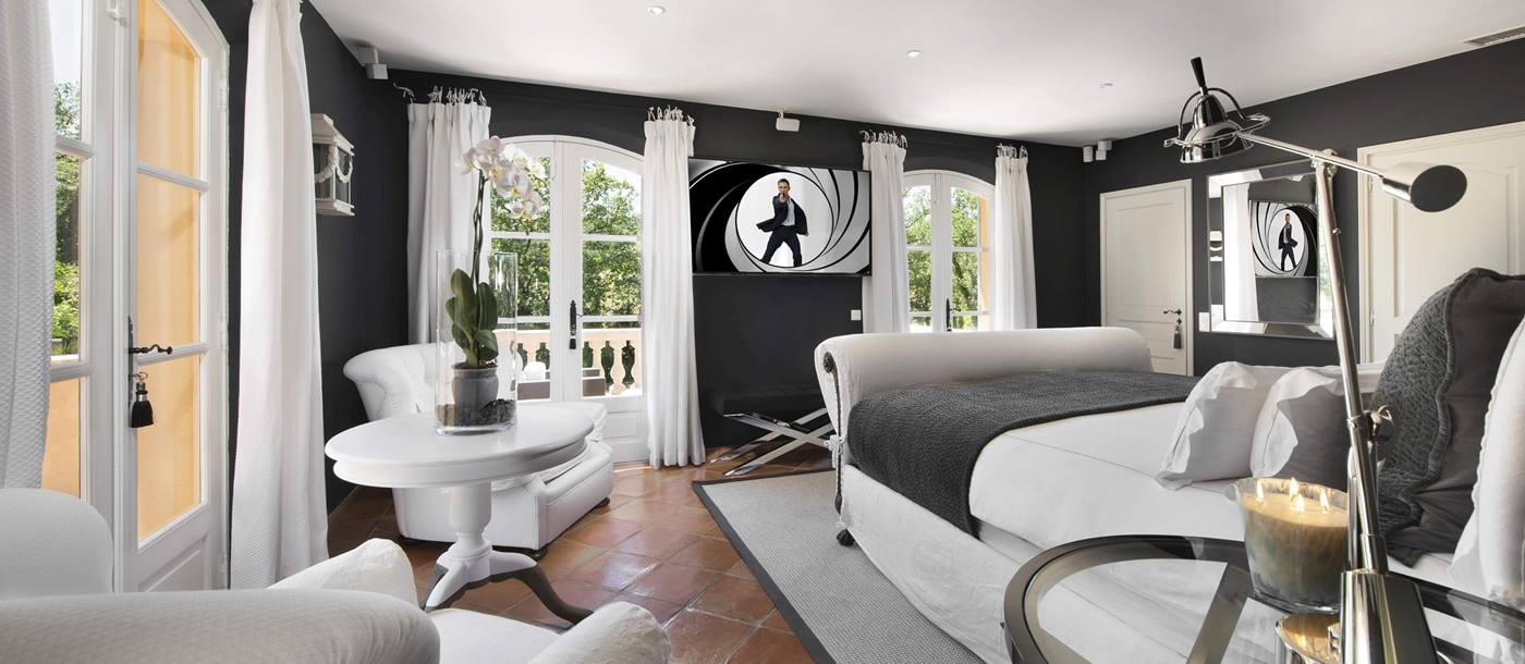 Master bedroom in Villa des Tourterelles, Cote dAzur