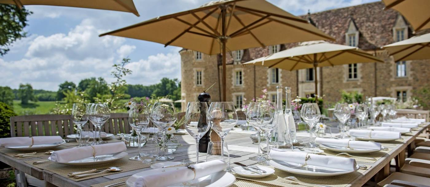 Outdoor terrace restaurant at Domaine des Etang