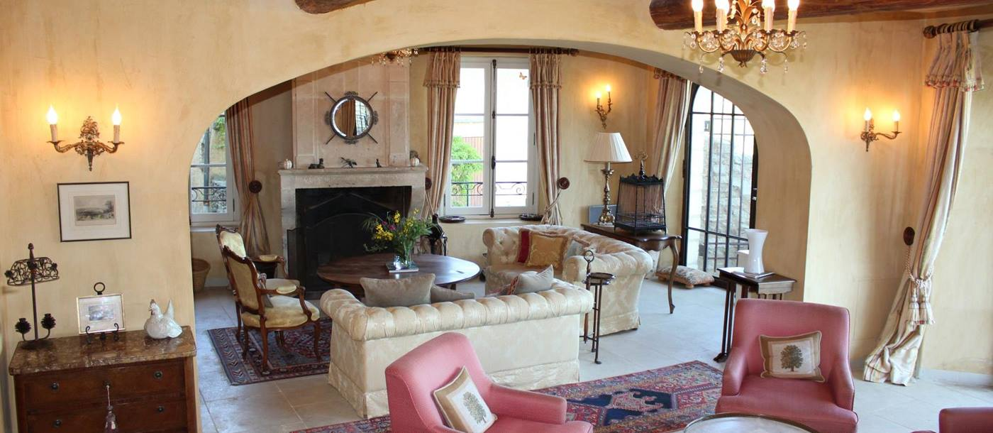 Living room and lounge in Domaine de Crillon, Provence