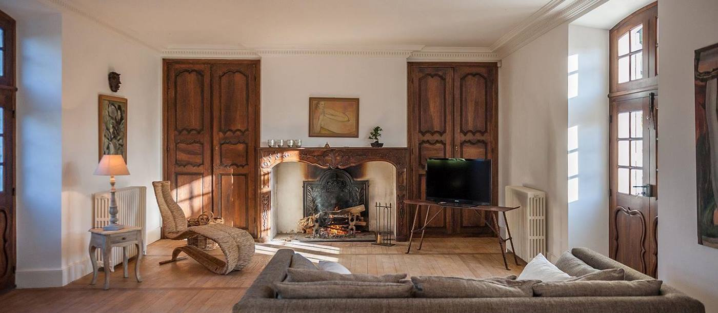 the living room at maison de cales