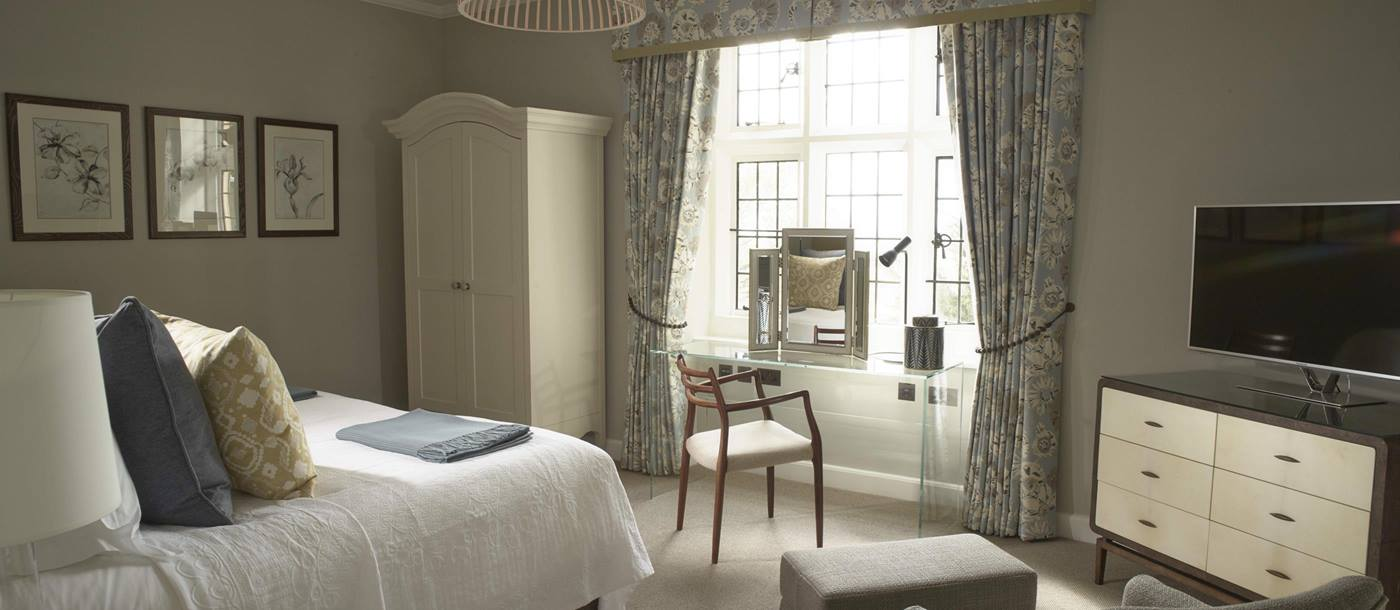 Double bedroom in Foxhill Manor, Cotswolds