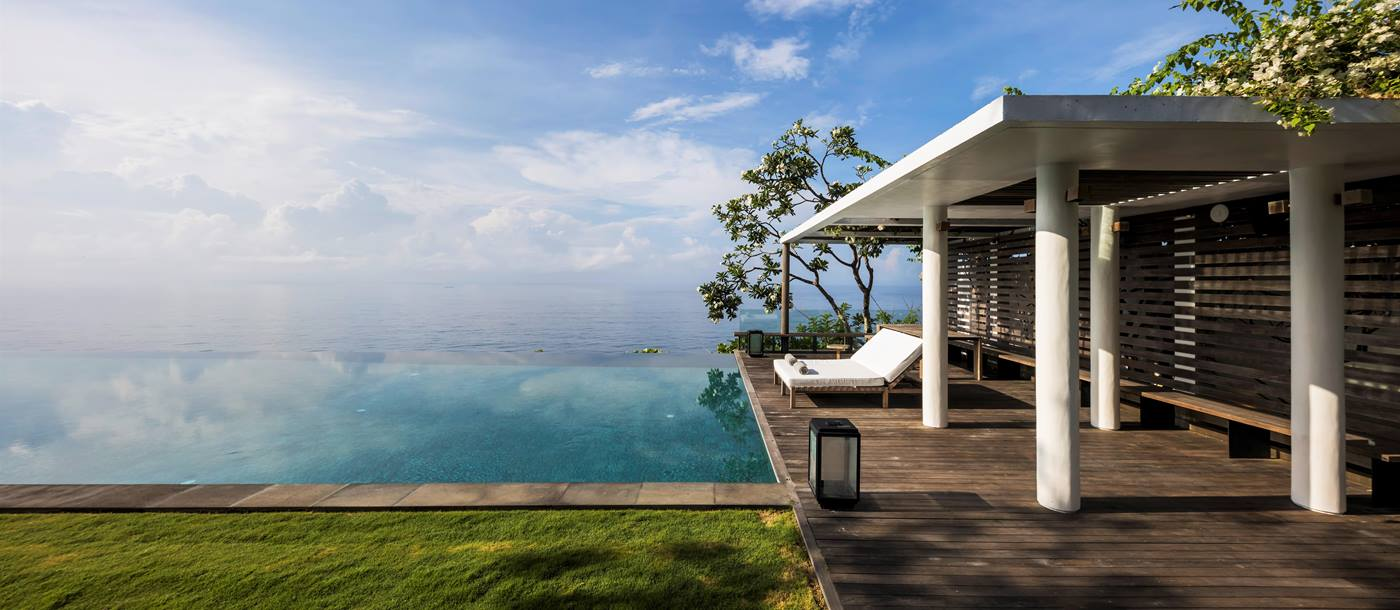 View of the infinity pool and view of the ocean at Uluwatu Estate, Bali