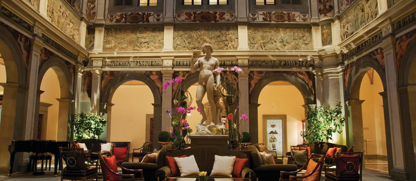 Lounge of Four Seasons, Florence