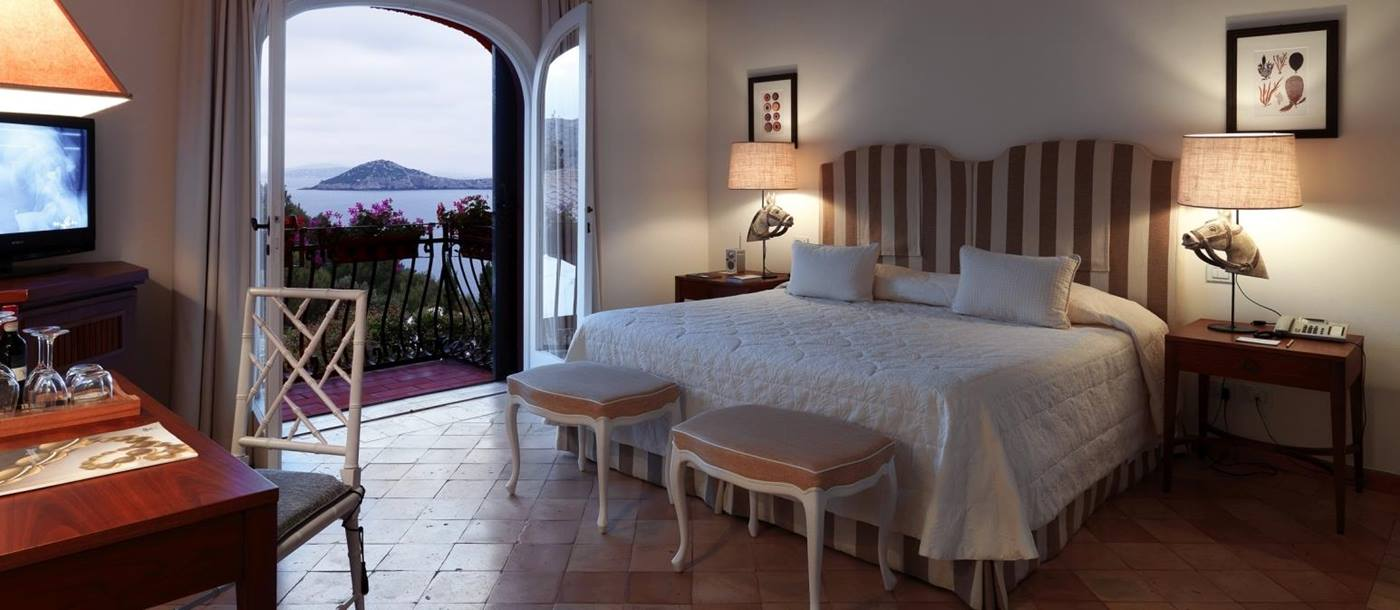 Room with view over ocean at Il Pellicano
