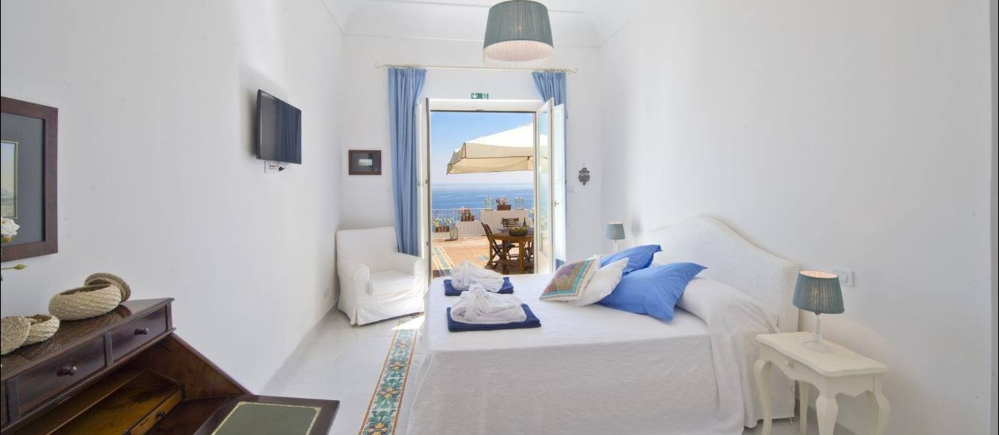 Villa Ginepro-Capri-bedroom 2