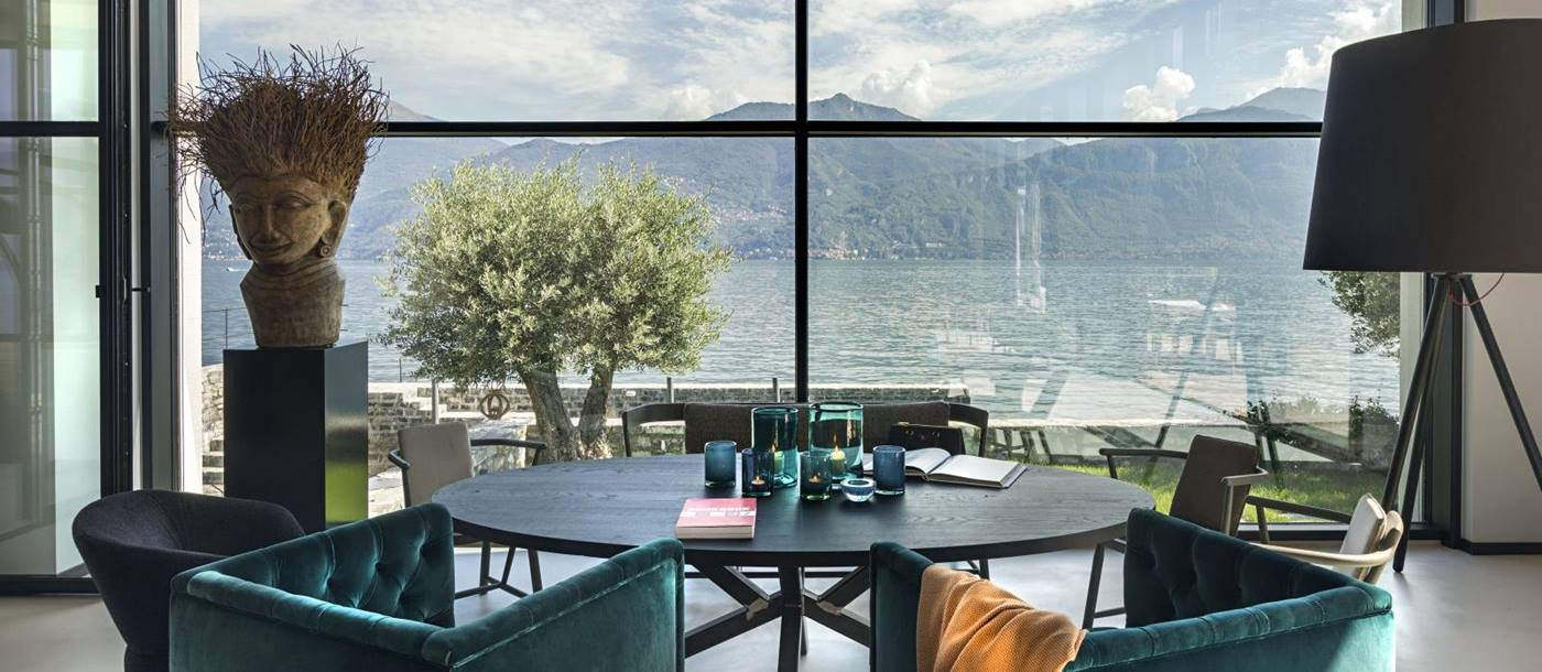 lounge with the view of lake como