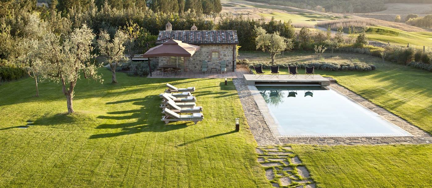 Swimming pool and pool house of Casa Biondi, Tuscany