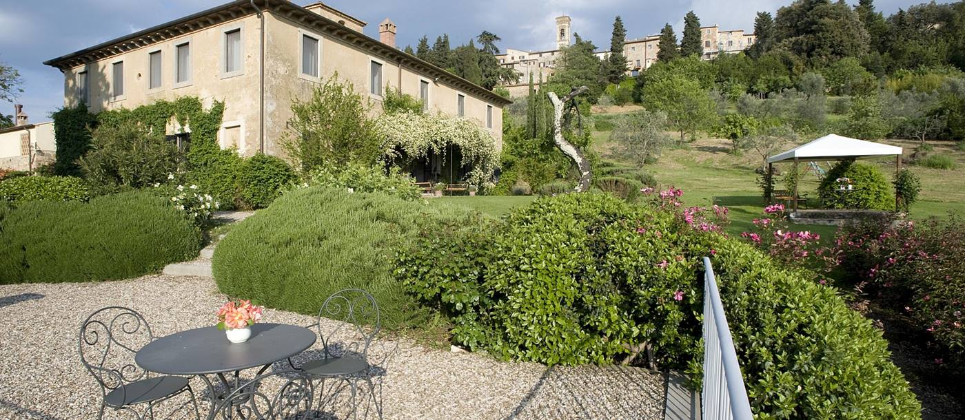 Terrace and exterior of Podere Barberino, Tuscany