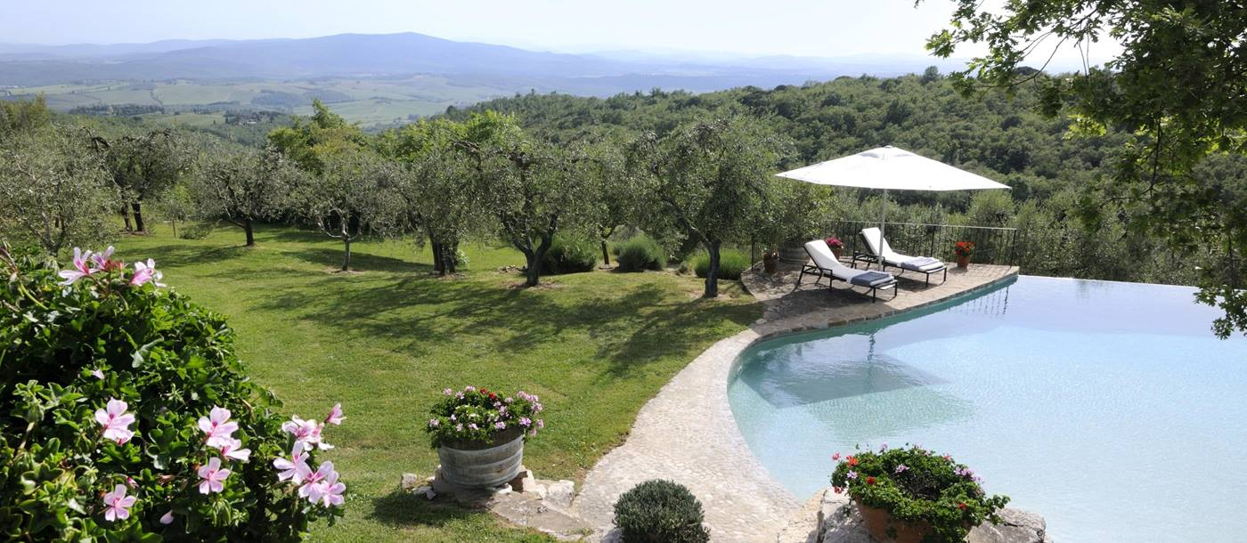 More of the swimming pool of Tramonti, Tuscany