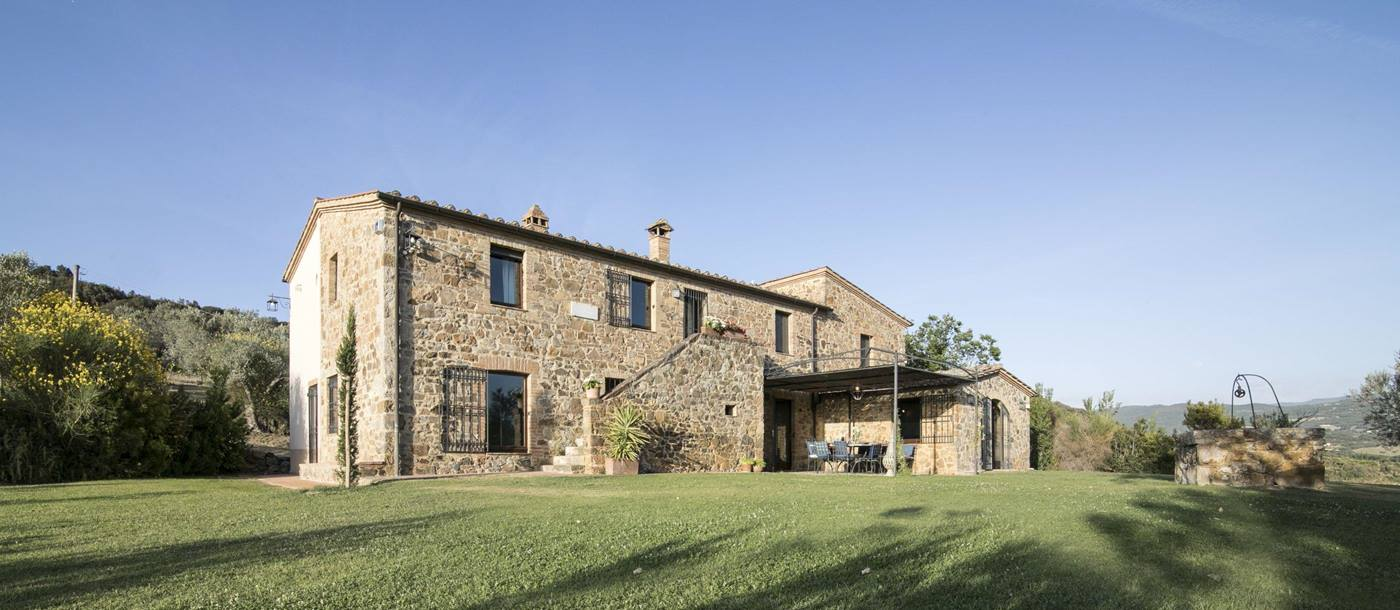 Exterior of Villa Dell'Abate in Tuscany
