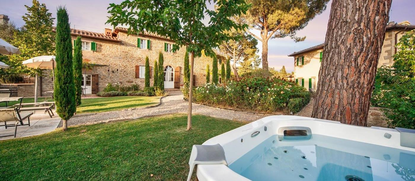 The jacuzzi on the grounds of Villa Nocciola, Tuscany