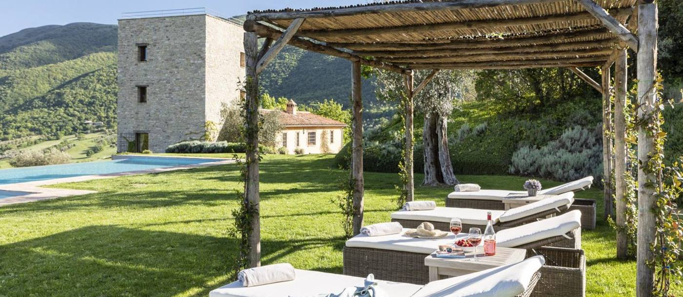 Sun loungers at Bel Canto, Umbria