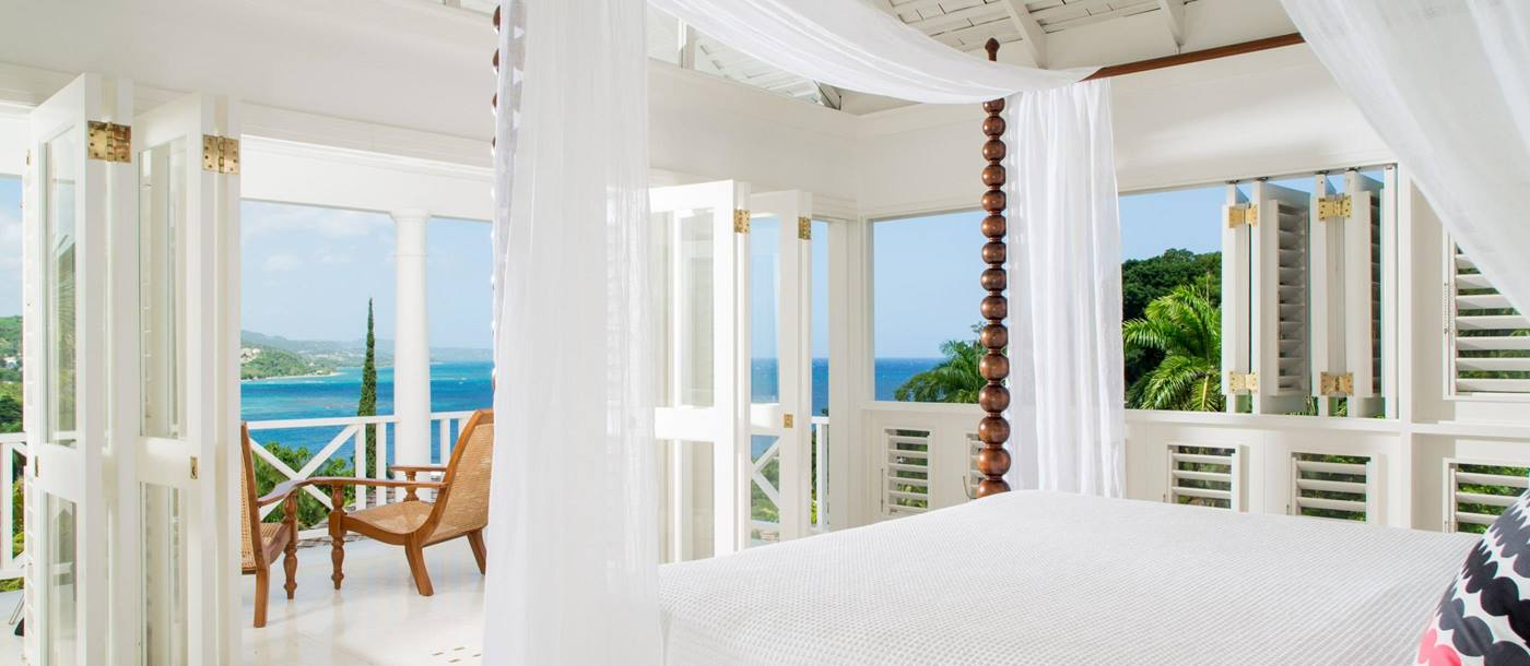 Double bedroom of Round Hill, Jamaica