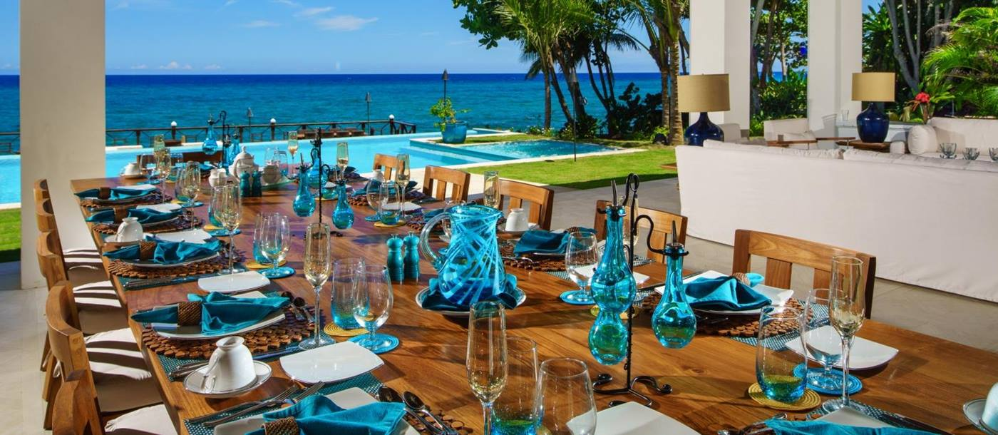 Outdoor dining at Aqua Bay in Jamaica