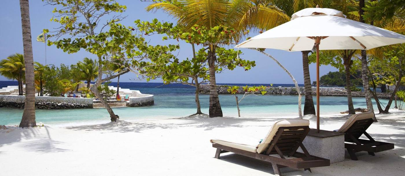 beach of Goldeneye Villas, Jamaica