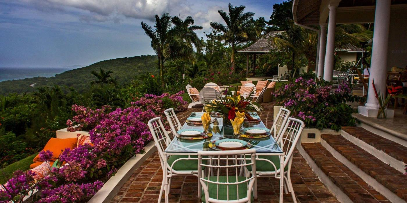 Outdoor dining at Villa Casuarina, Jamaica