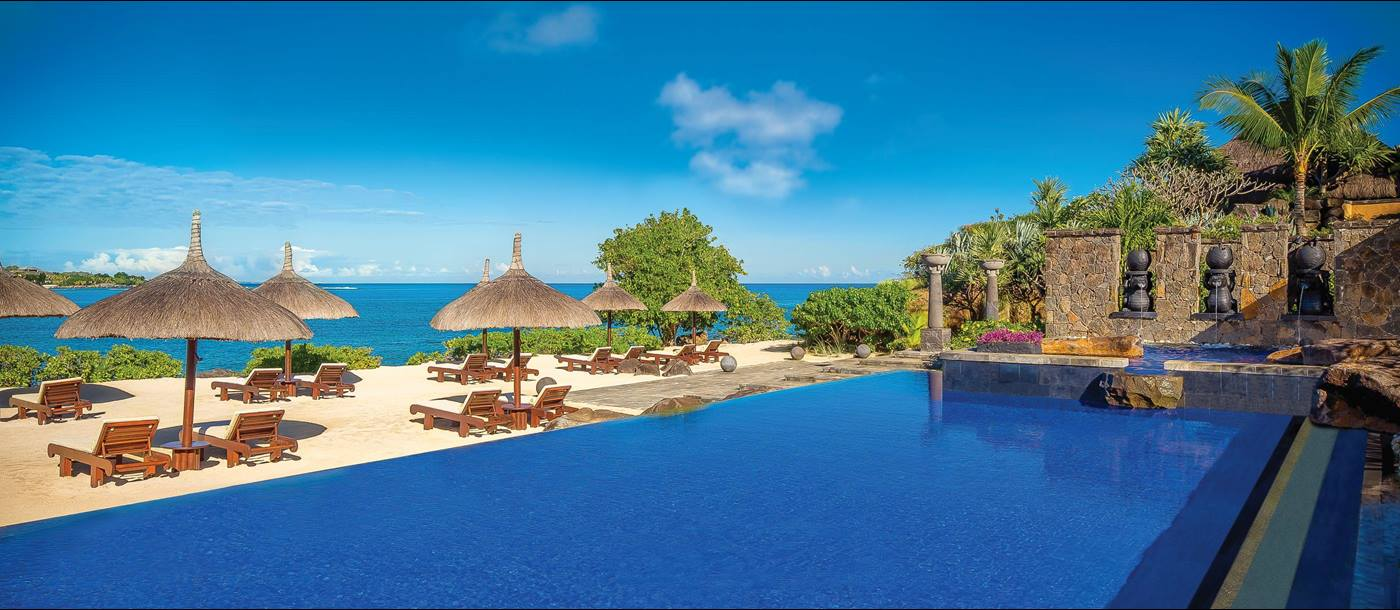 The turtle bay swimming pool of The Oberoi Mauritius