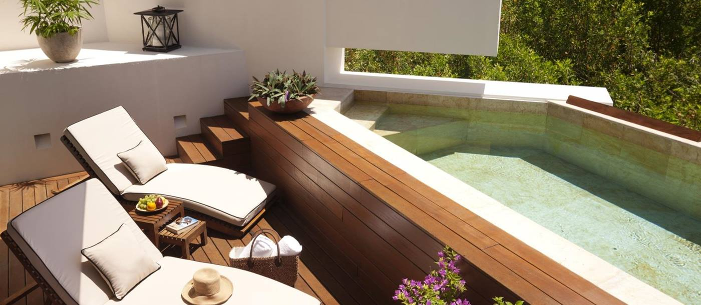 Plunge pool at Rosewood Mayakoba in Mexico