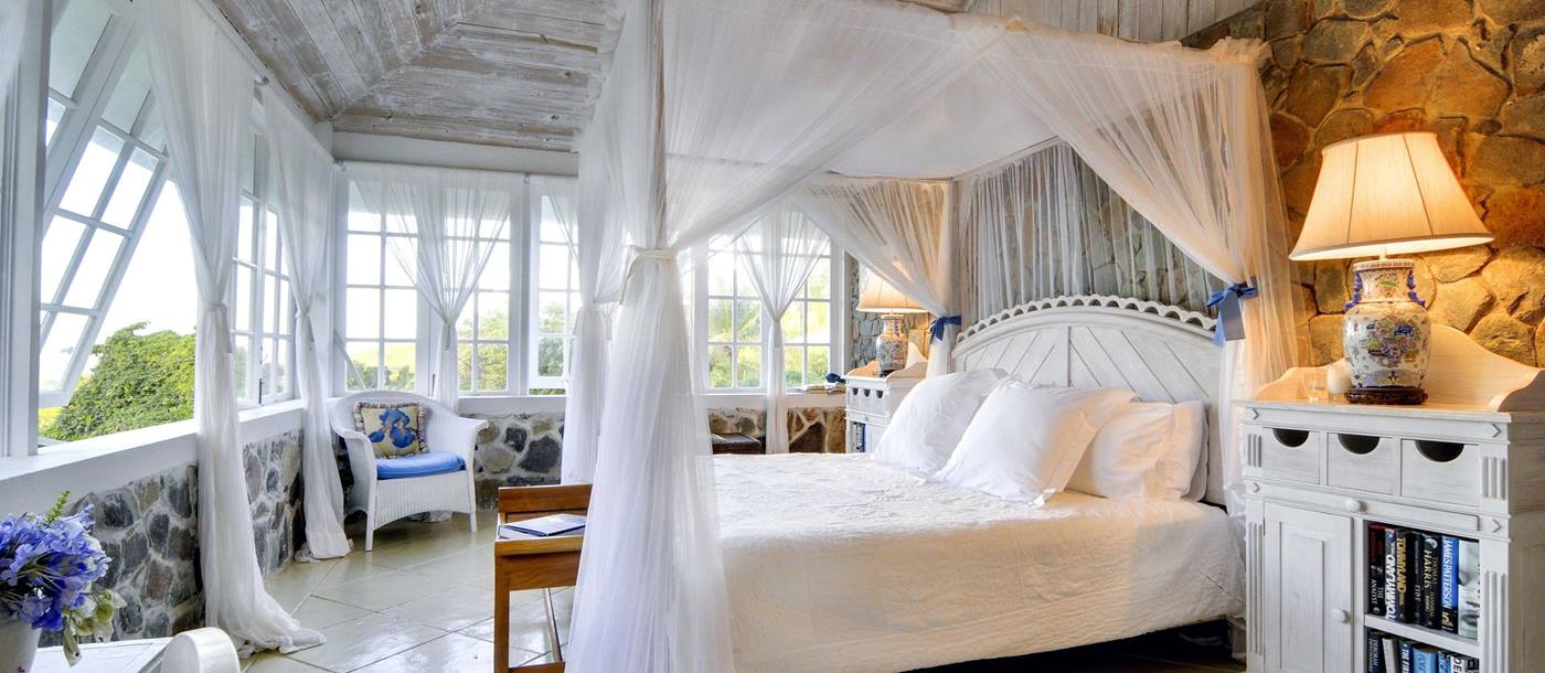 Double bedroom in Baliceaux, Mustique