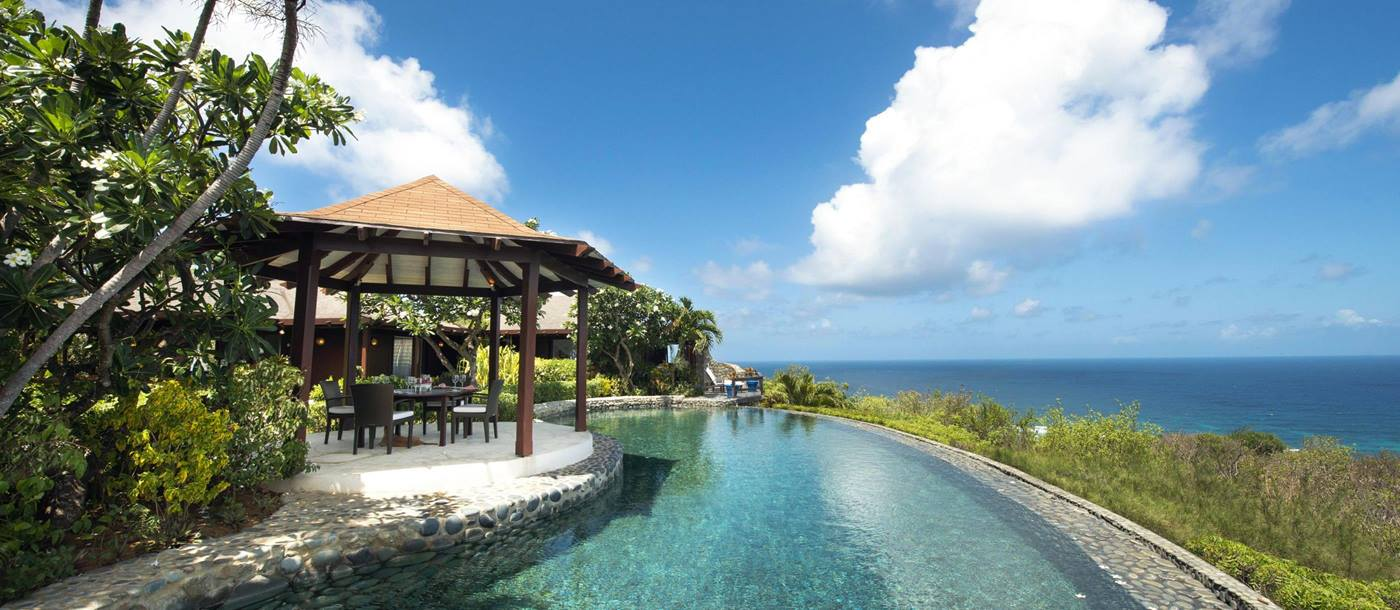 Infinity pool of Emerald Hill, Mustique
