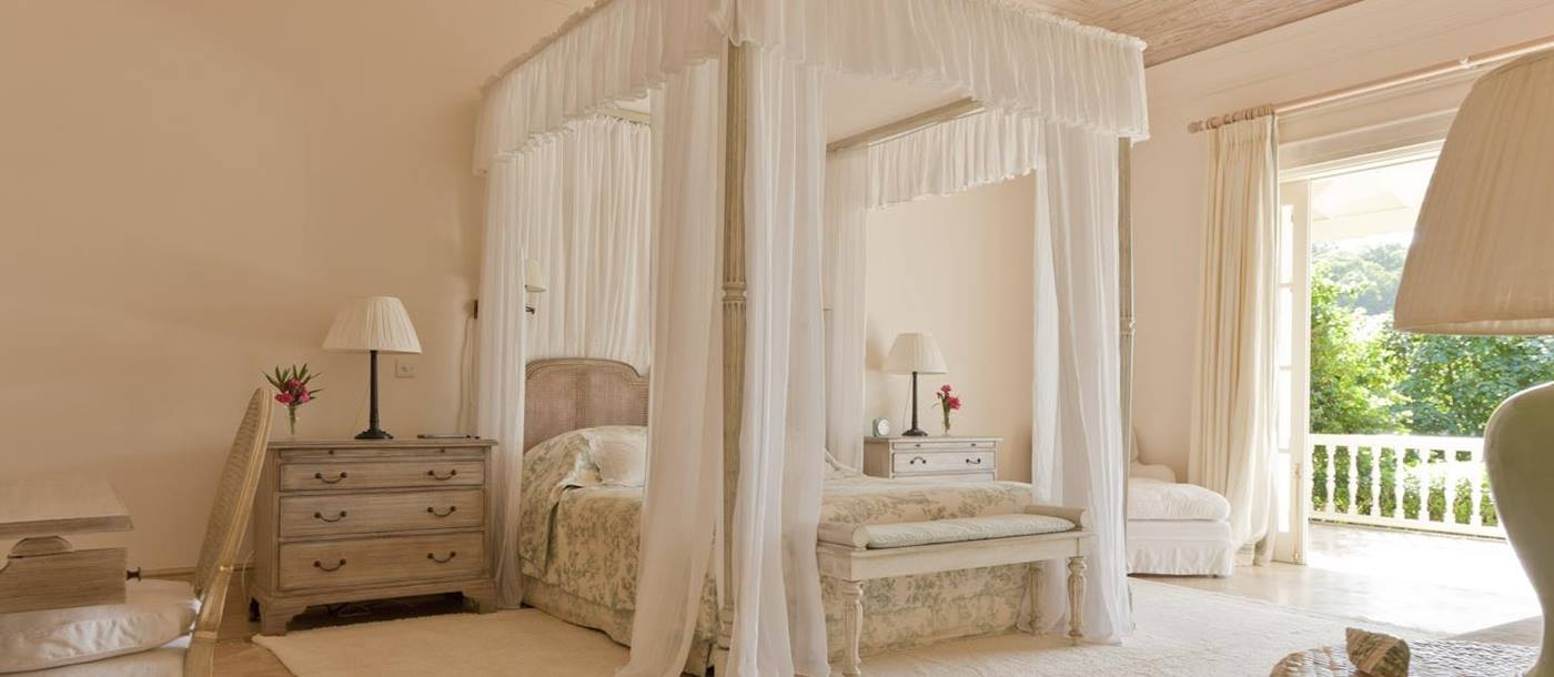 Double bedroom of Plantation House, Mustique