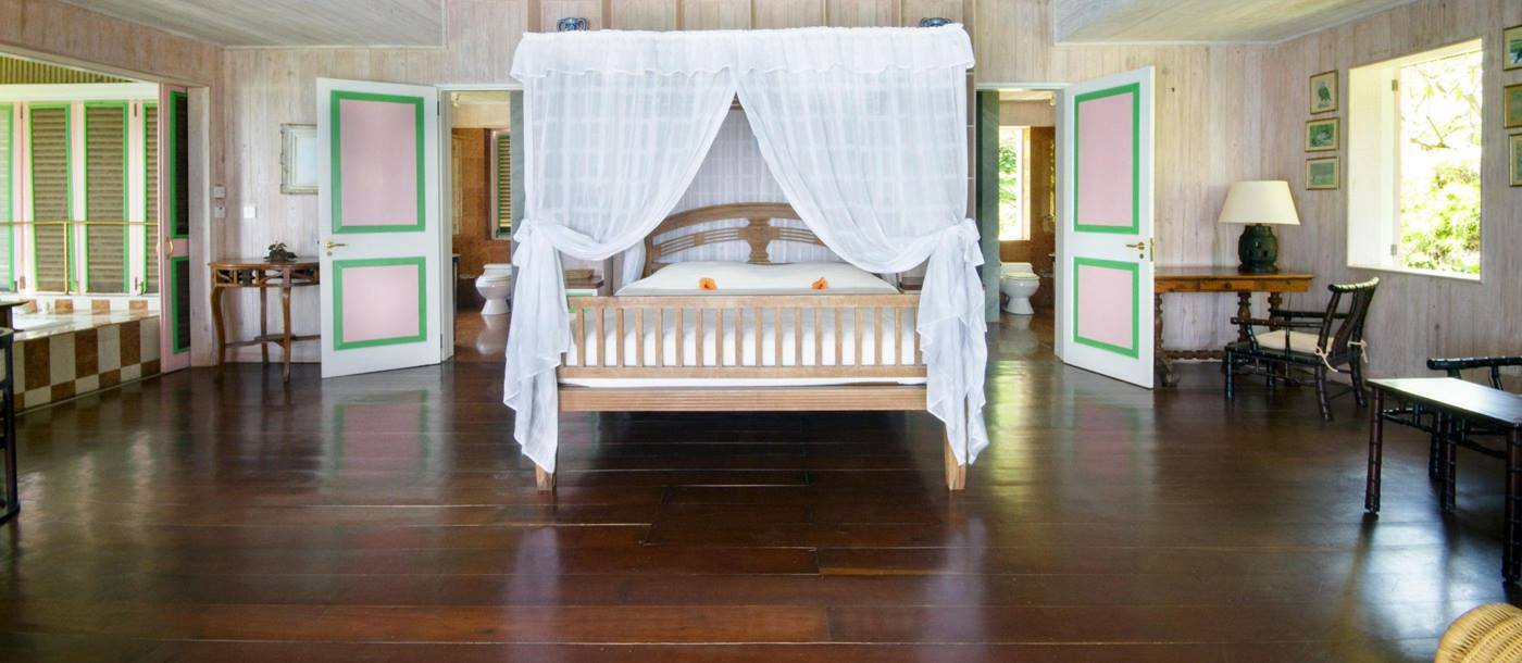 Double bedroom in Tortuga, Mustique
