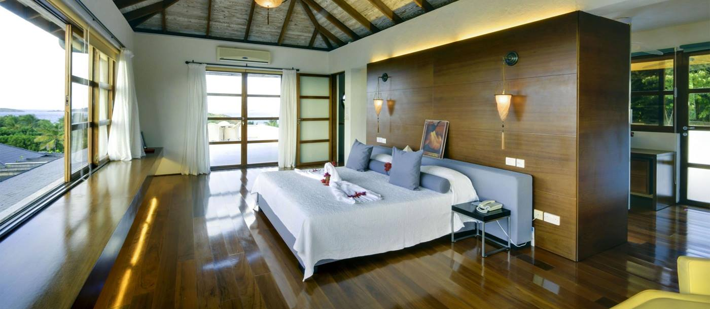 Double bedroom in Wyler House, Mustique