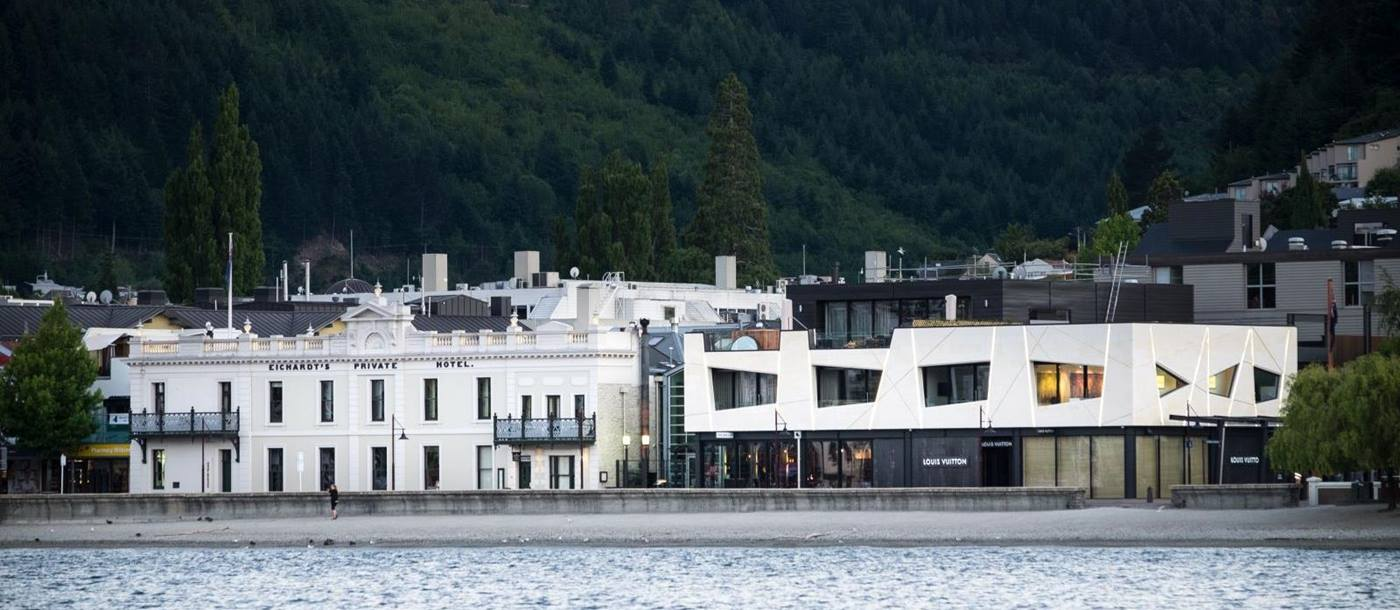 Eichardt's Private Hotel New Zealand exterior with the lake in front