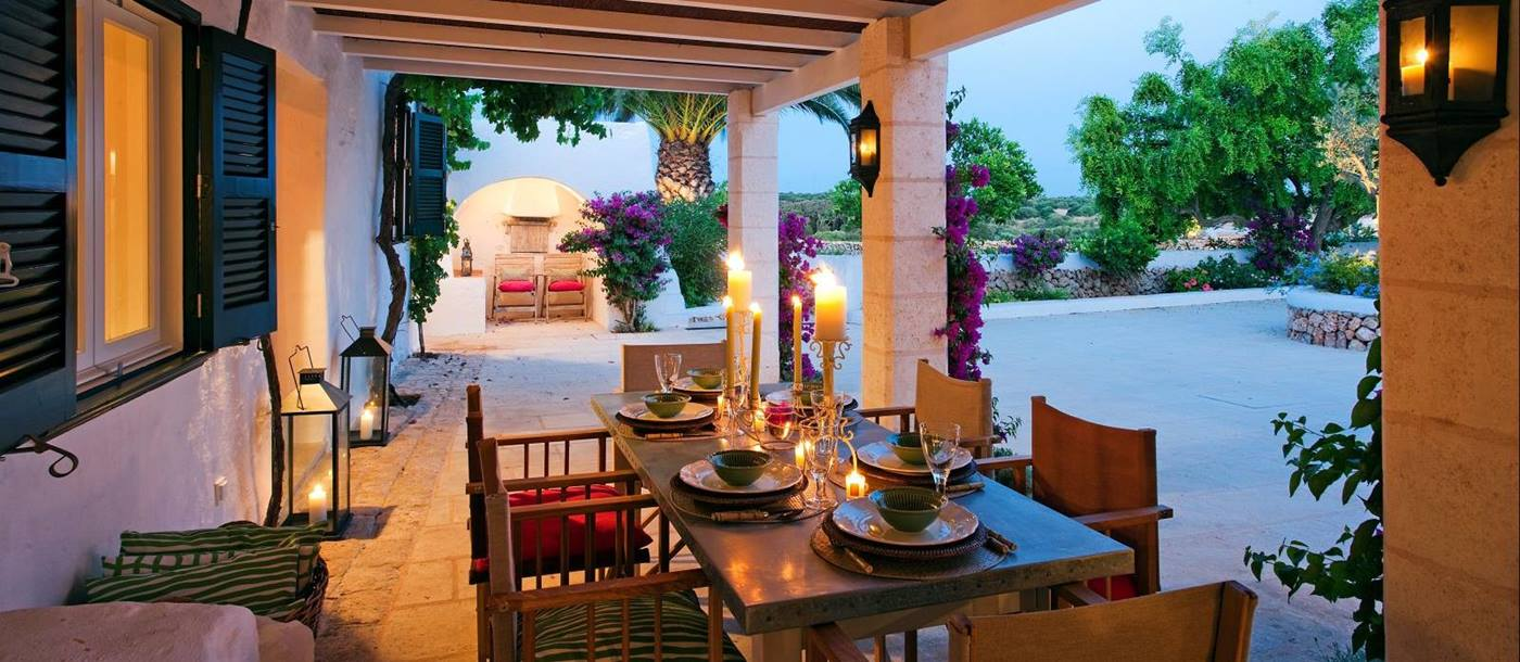 Finca Tortuga - Menorca-Shaded dining