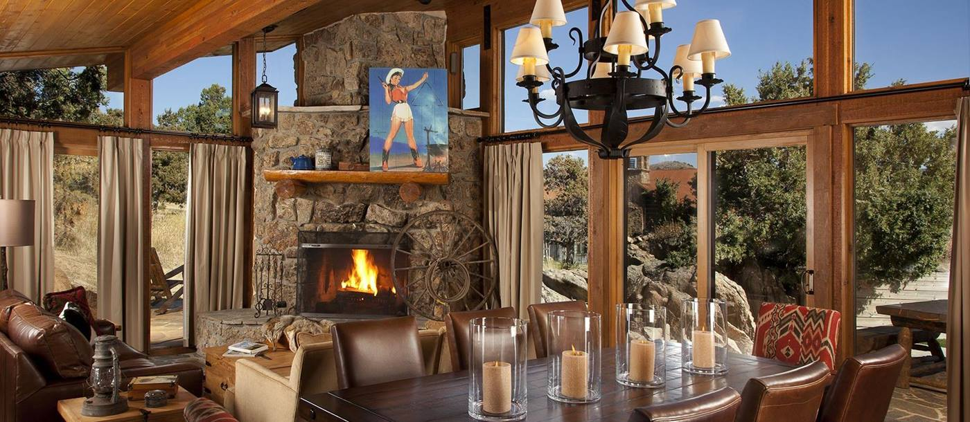 Dining in Brush Creek Ranch, USA