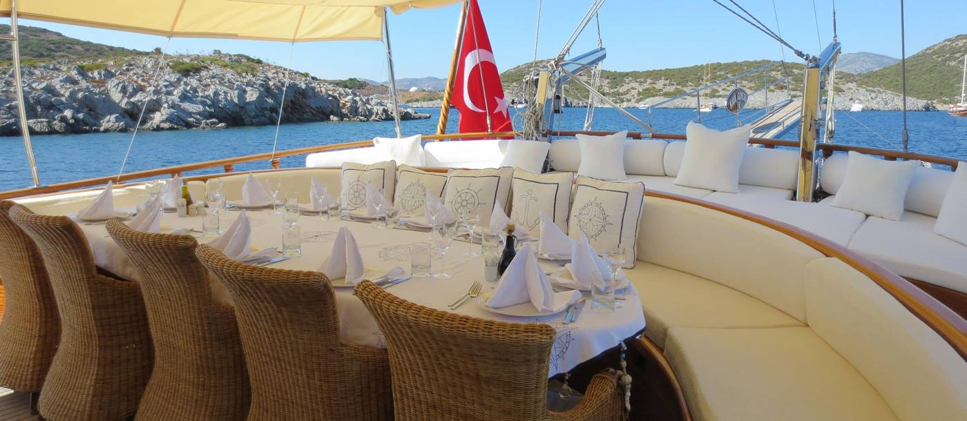 Dining on Kaya Guneri IV